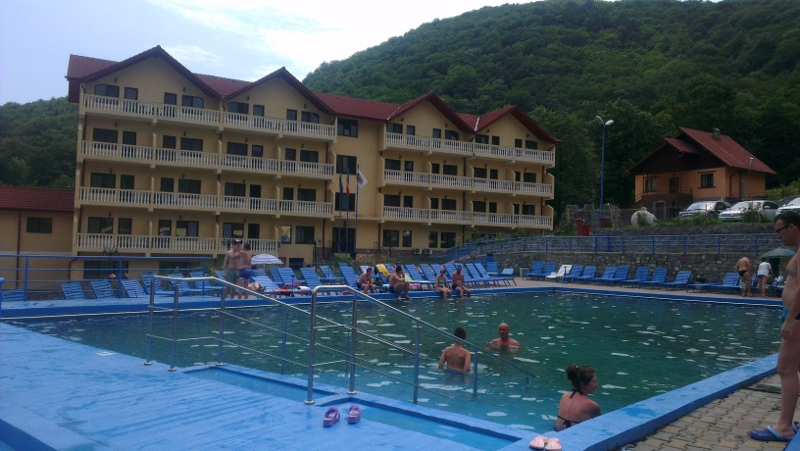 Casa Romaneasca thermal pool Caciulata Romania Road trip with kids