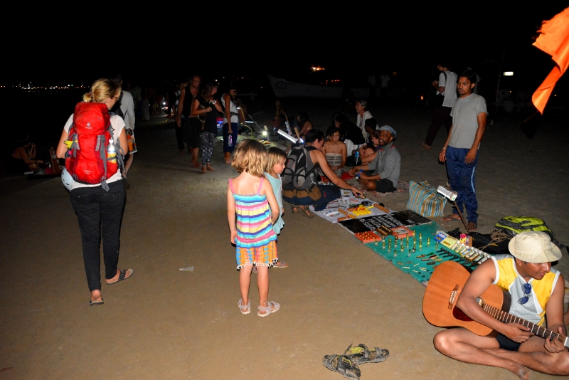 The Nightmarket in Arambol on the beach - Copyright by Ants-in-our-pants.com