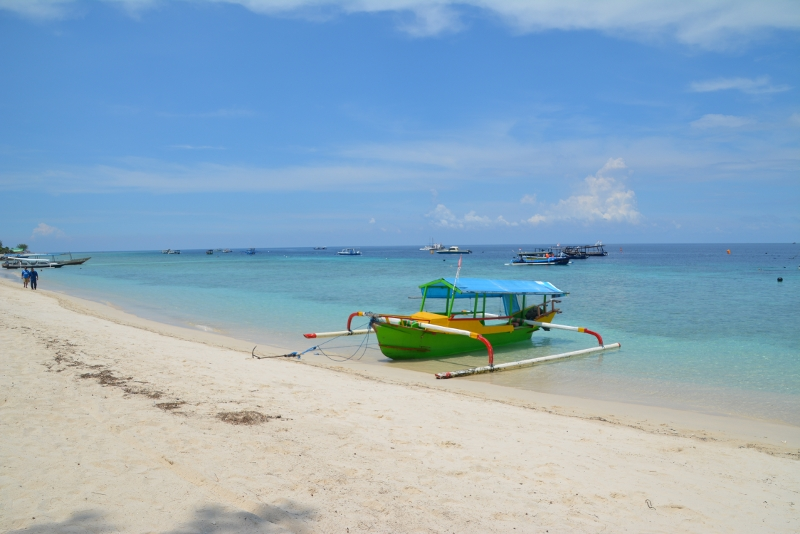 Beautiful beach on Gili Trawangan -  Copyright by Ants-in-our-pants.com