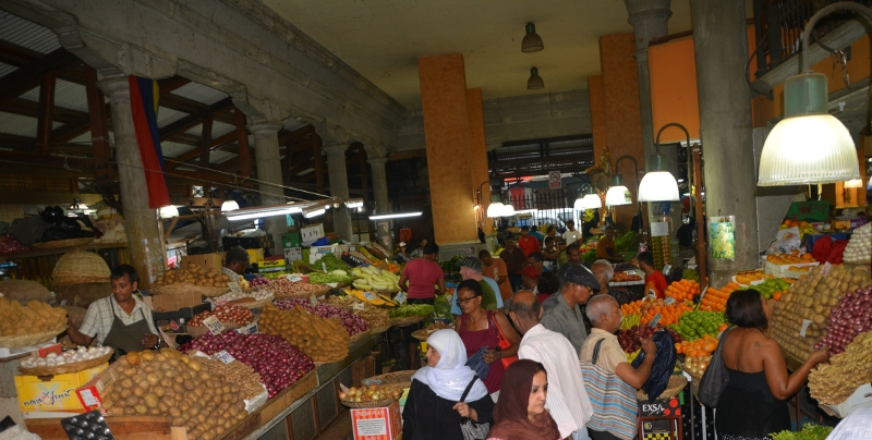 The fruit and vegetable market - Copyright by www.ants-in-our-pants.com