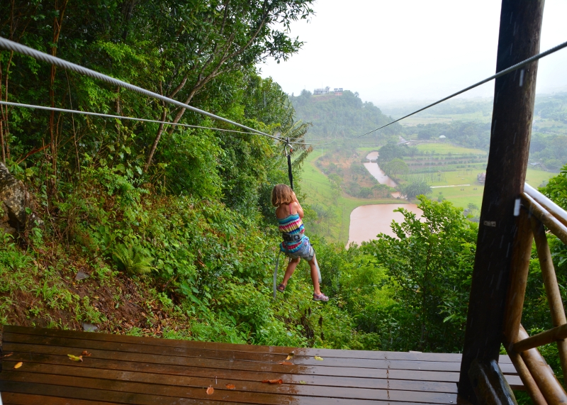 Zipline at Domaine des Couleurs - Copyright by www.ants-in-our-pants.com
